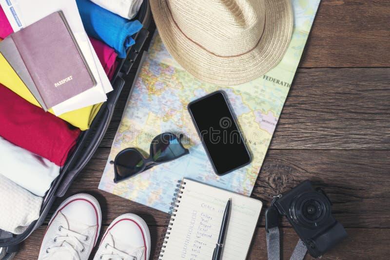 Packen emballage, packen, ryggs?cken, p?sen, resv?skan, bagage, b?r, turnerar, turen, resan, semestern, helgen, ferie, sommar, ha arkivfoton