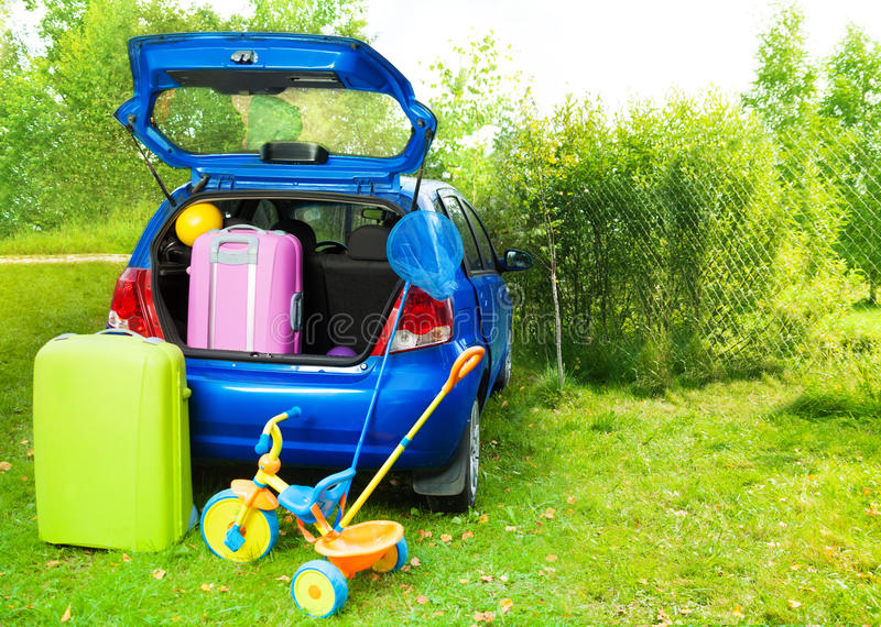 Download Packing A Car For Trip With Kids Stock Image - Image: 33823725