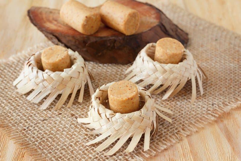 Pacoca - doces brasileiros do amendoim à terra foto de stock royalty free