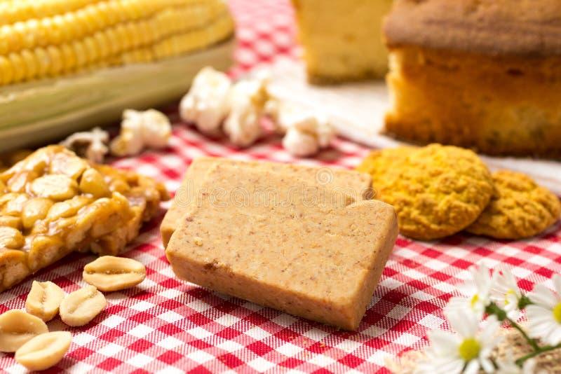 Pacoca est une sucrerie avec des arachides du Brésil Nourriture douce de Festa images libres de droits