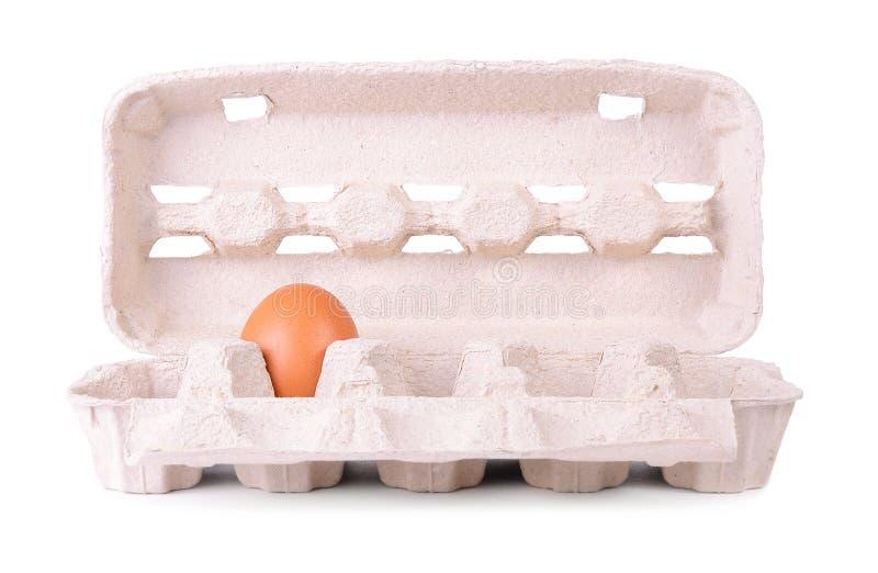 Pacote da caixa dos ovos em um branco imagens de stock royalty free