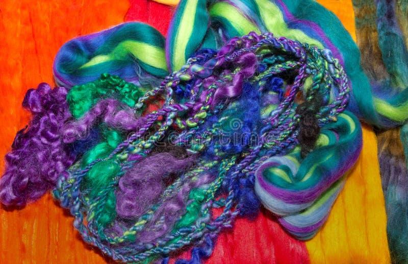 Pacote de fibras tecidas entrançadas de lãs fotografia de stock