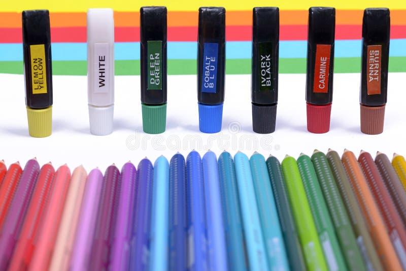 Pacote de lápis coloridos imagens de stock royalty free
