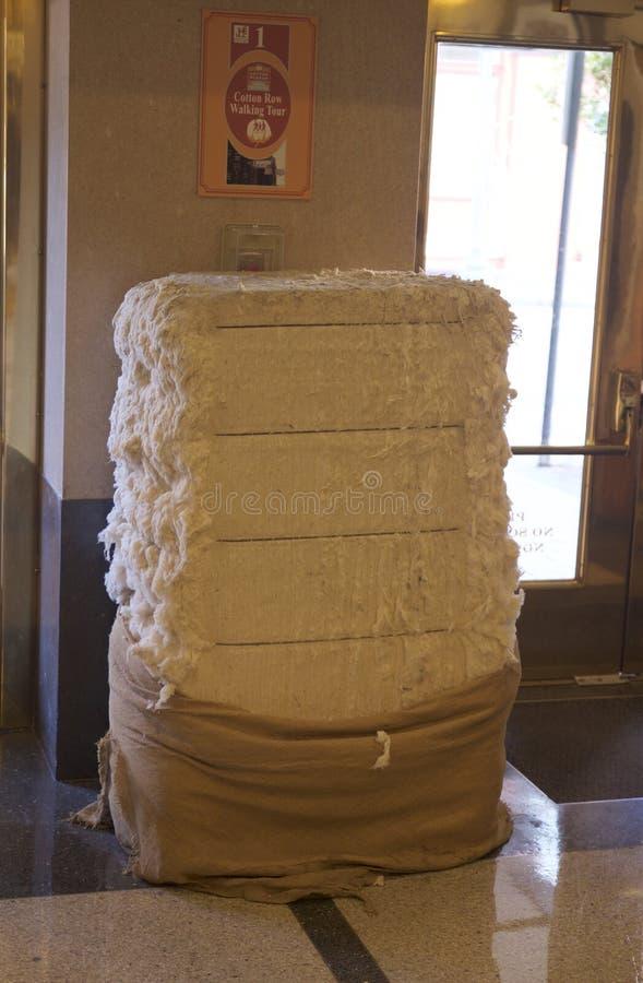 Pacote do algodão em um museu imagem de stock royalty free