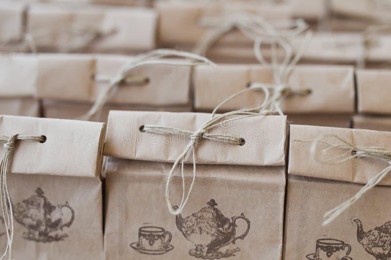 Pacote dobrado saco de papel de Brown imagem de stock
