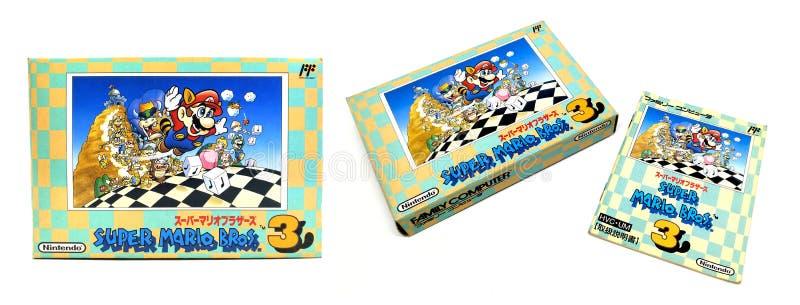 Pacote super de Mario Bros 3 isolado no fundo branco fotografia de stock