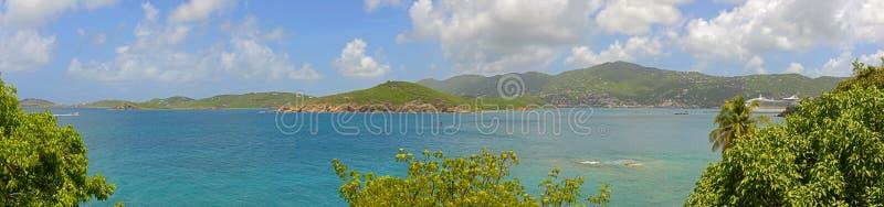 Pacquereau fjärdpanorama, St Thomas, USA Jungfruöarna royaltyfri fotografi