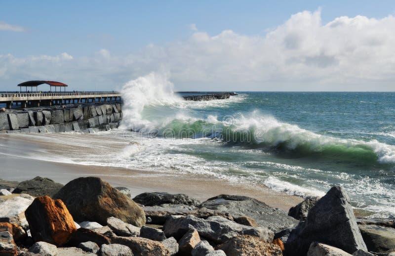 Pacyficznego oceanu fala, San Pedro połowu molo obrazy stock