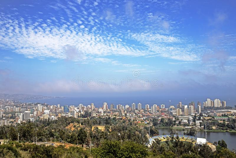Download Pacyficzny Ocean Santiago De Chile Zdjęcie Stock - Obraz złożonej z valparaiso, mgła: 106902954