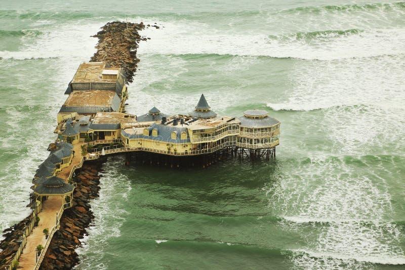 Pacyficzny ocean w Lima zdjęcia stock