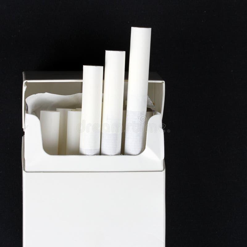 Paczka papierosy zdjęcia stock