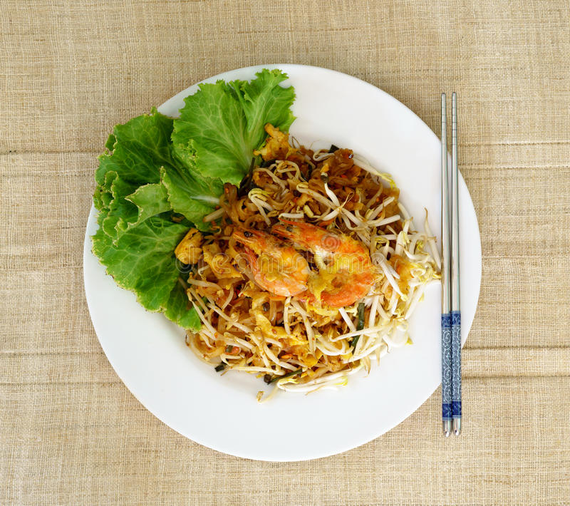 Pad Thai Koong Sod. Or Stir fried rice noodles stock photography