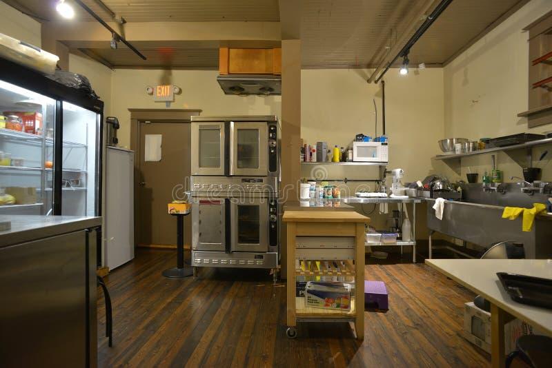 Padaria e cozinha industriais da cafetaria imagens de stock royalty free