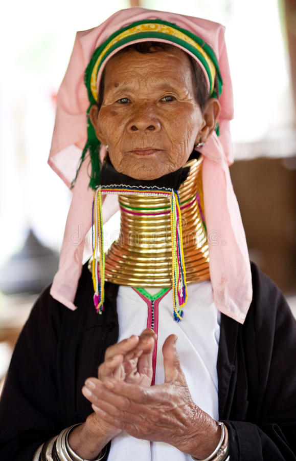 Download Padaung Tribe woman editorial stock photo. Image of loom - 18447608