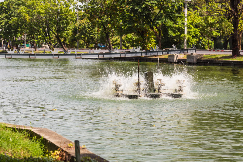 Paddlewheel wodny napowietrzenie zdjęcie stock