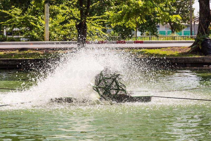 Paddlewheel wodny napowietrzenie obrazy stock