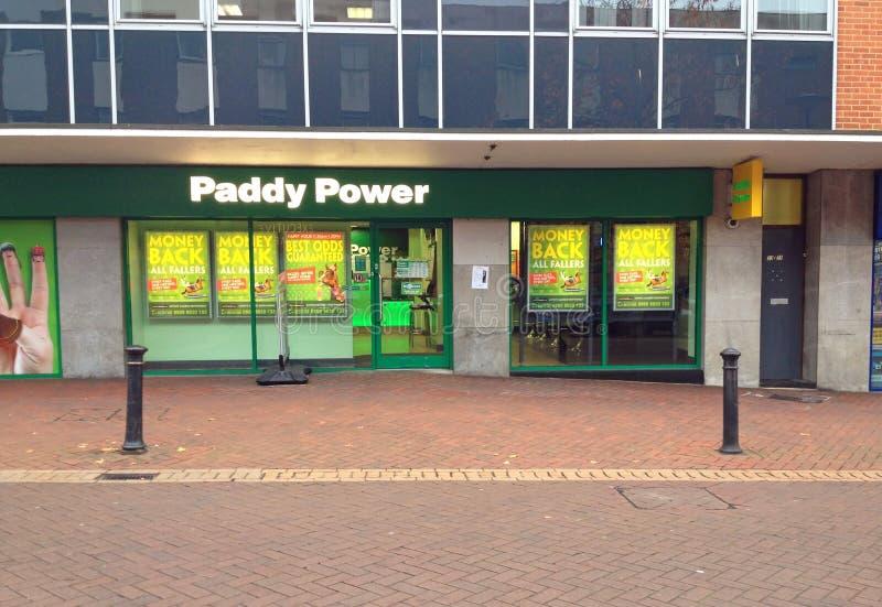 Paddy Power bookmaker shoppar fotografering för bildbyråer