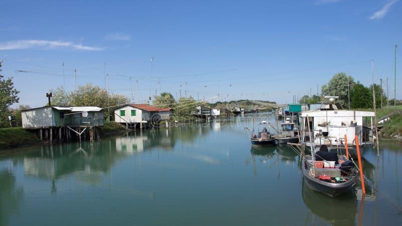 Padellone-Fischenhütten in PO-Delta, Italien stockfoto