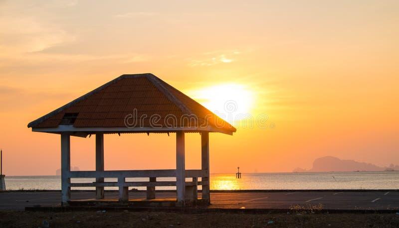 Padiglione al tramonto immagine stock