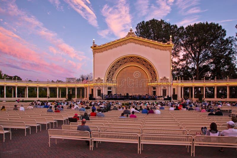 Padiglione al tramonto, parco della balboa, San Diego, California dell'organo di Spreckels immagine stock