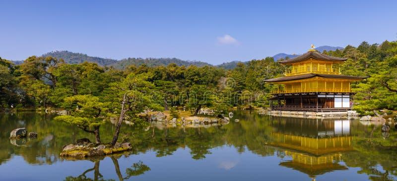 Padiglione dorato di Kinkakuji, Kyoto, Giappone (tempio di zen) immagine stock