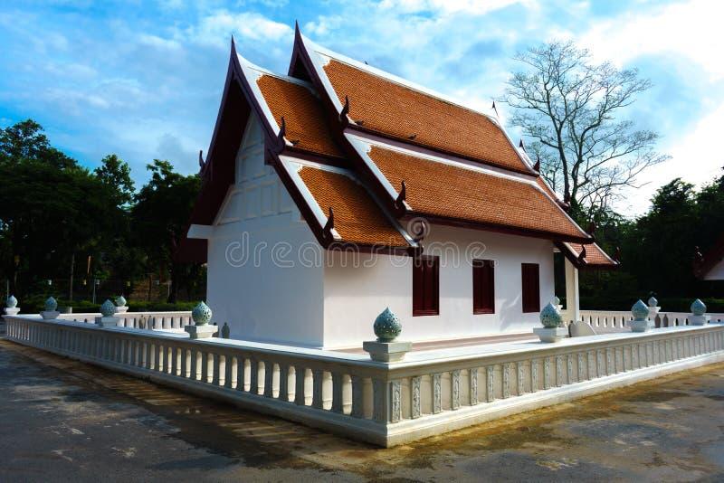 Padiglione nella provincia Tailandia di Sukhothai Wat Srichum in Sukhotha immagini stock