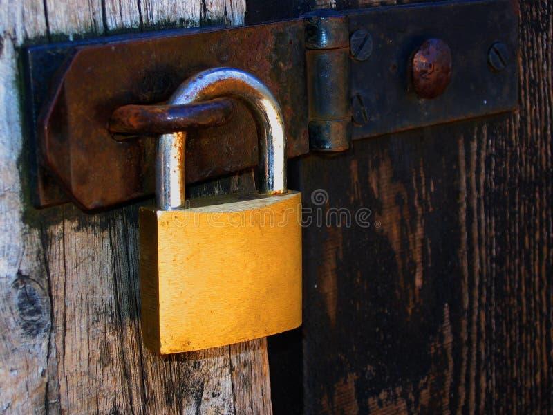 Padlock двери деревянный Стоковое Изображение RF