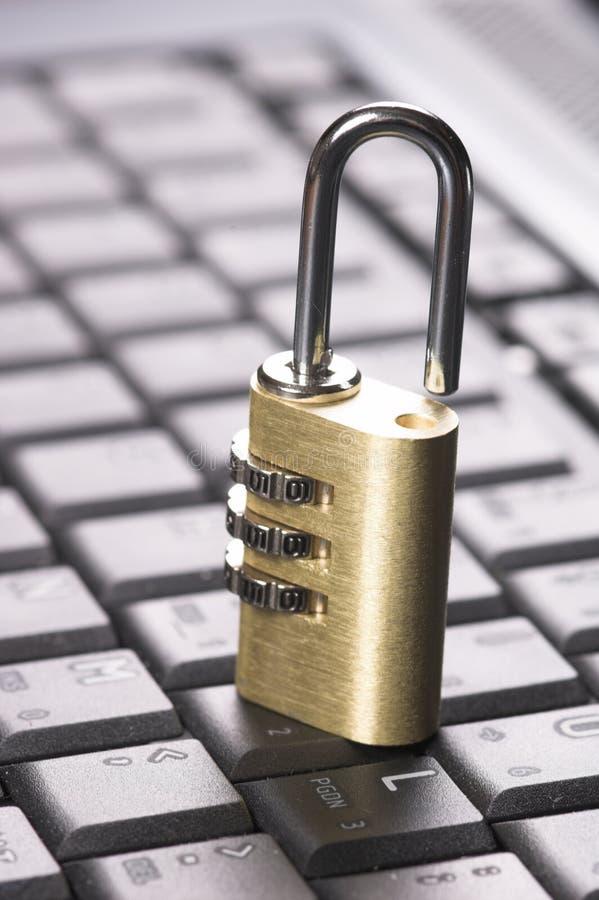 padlock компьютера стоковые изображения rf
