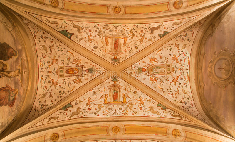 Padoue - le fresque de plafond dans le vecchio de San Benedetto d'église (saint Benoît) du XVIème siècle avec les quatre apôtres photos stock
