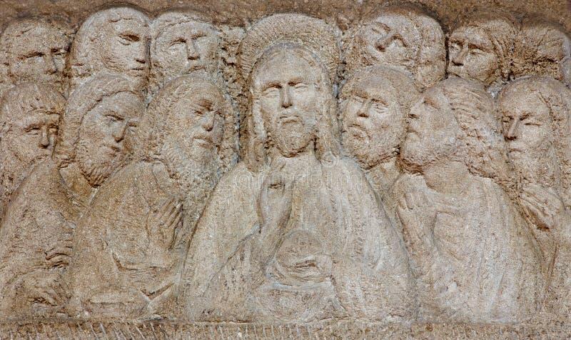 Padoue - le soulagement moderne du dernier dîner sur l'autel dans le dei Servi de Santa Maria d'église images stock