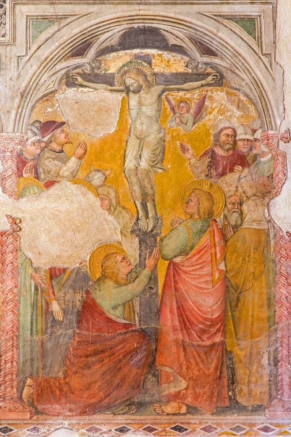 PADOVA, ITALIA - 9 SETTEMBRE 2014: L'affresco di crocifissione o del calvario in chiesa San Nicolo (San Nicola) dal pittore scono fotografia stock libera da diritti