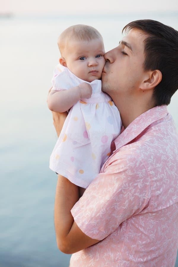 Padre con il bambino fotografie stock