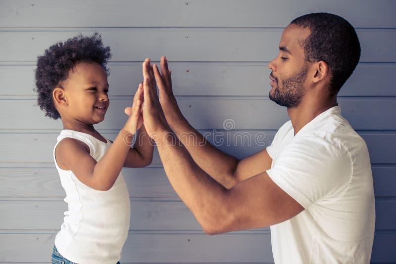 Padre e bambino immagini stock
