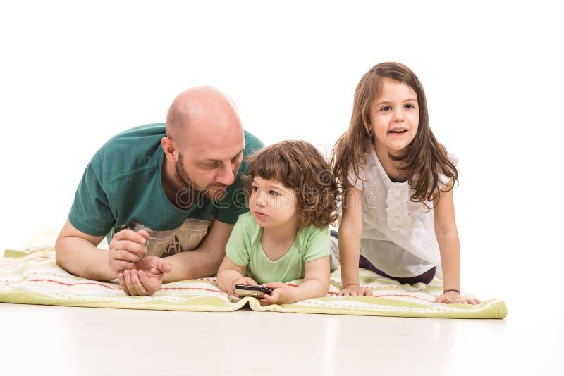 Padre e due bambini fotografie stock libere da diritti