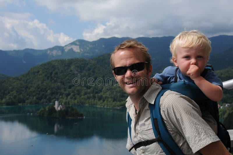 Padre e figlio in Slovenia fotografia stock