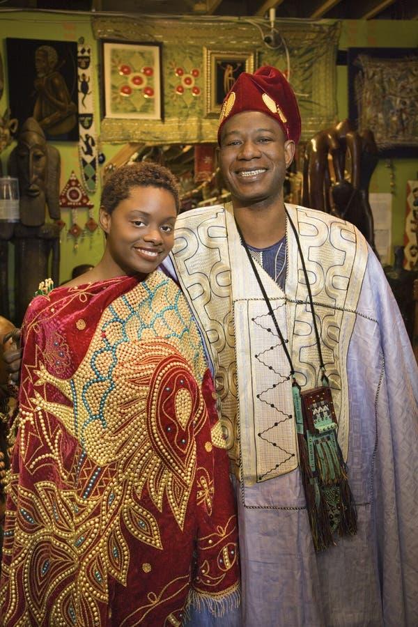 Padre e hija que desgastan el coágulo africano fotos de archivo libres de regalías