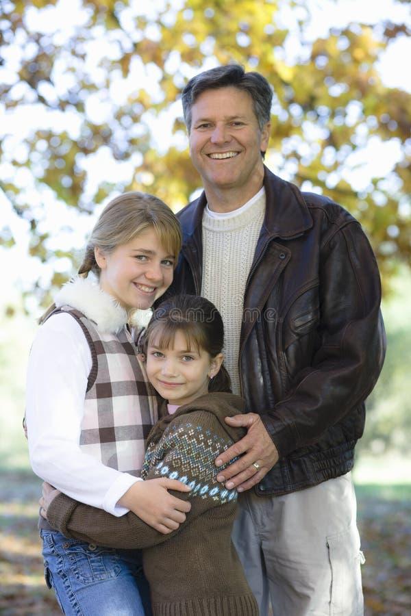 Padre e hijas imágenes de archivo libres de regalías