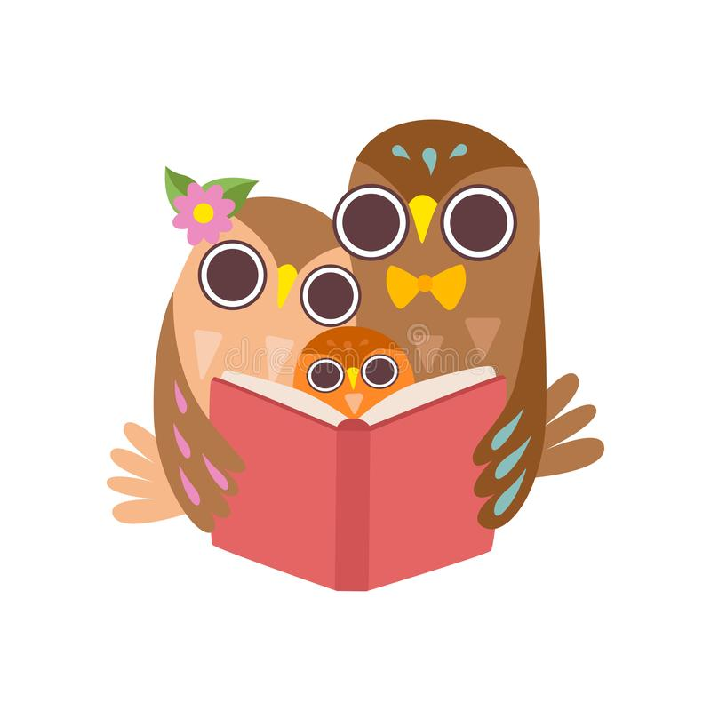 Padre Owl Reading Book a su mochuelo, familia feliz de búhos, ejemplo lindo del vector de los caracteres de los pájaros de la his libre illustration