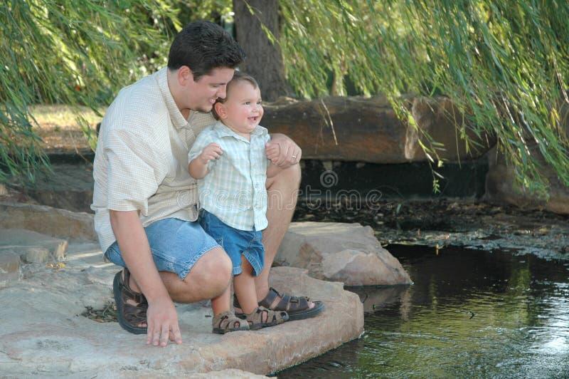 Padri e figli immagini stock libere da diritti