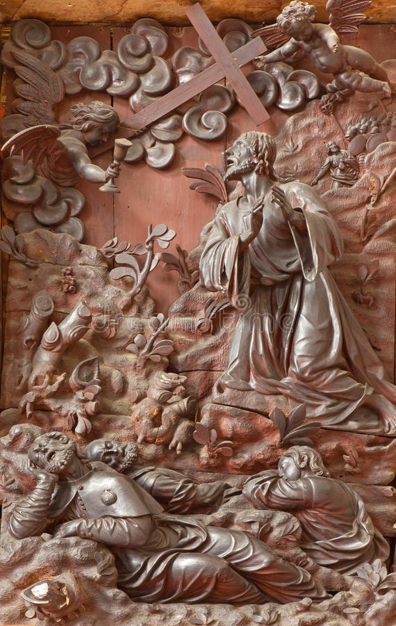 Padua - den sned lättnadsJesus bönen i den Gethsemane trädgården sakristian av kyrkliga Chiesa di San Gaetano royaltyfri bild