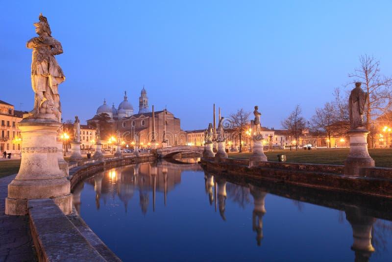 Padua en la noche fotos de archivo libres de regalías