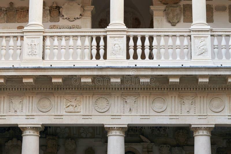 Padua, Itália - 24 de agosto de 2017: Um do mais velho em Europa, a universidade de Pádua foi aberto em 1222 imagens de stock
