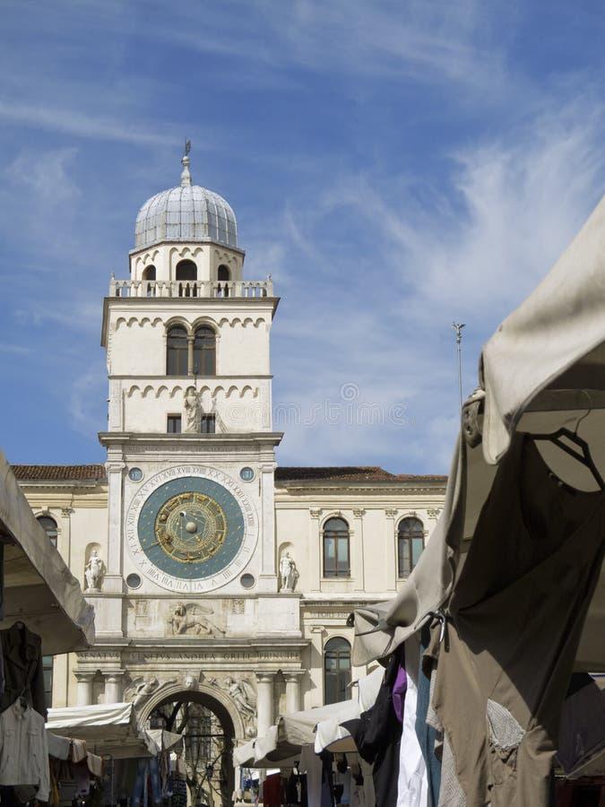 Padua: Torre de reloj antigua imagen de archivo libre de regalías