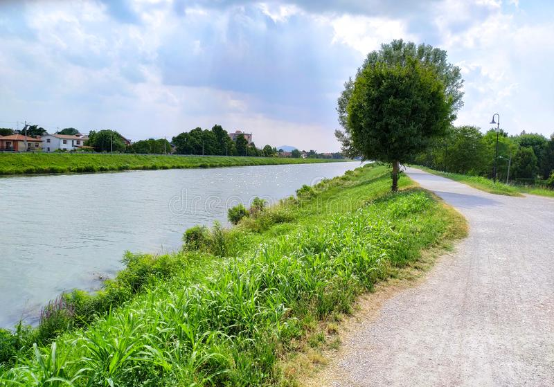 Paduas Bacchiglione flod Italien arkivfoto