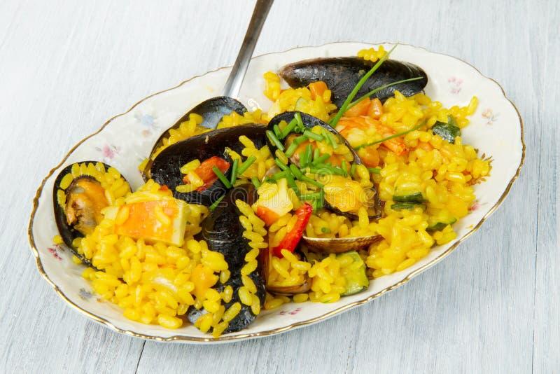 paella рыб стоковые изображения