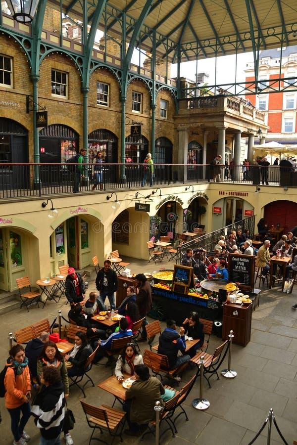 Paella am Covent Garten-Markt stockbild
