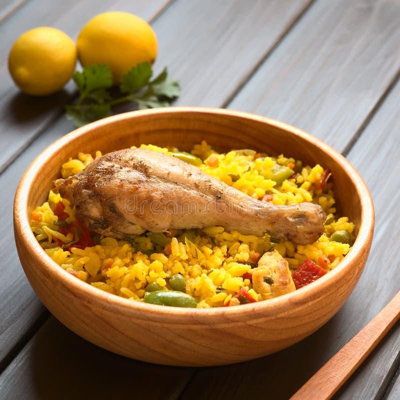 Paella de poulet images stock