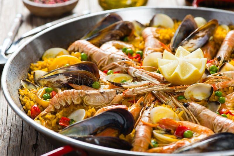 Paella do espanhol do marisco fotos de stock royalty free