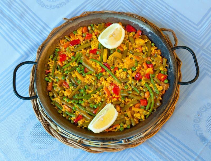 Paella en groenten, vegetarisch recept royalty-vrije stock foto