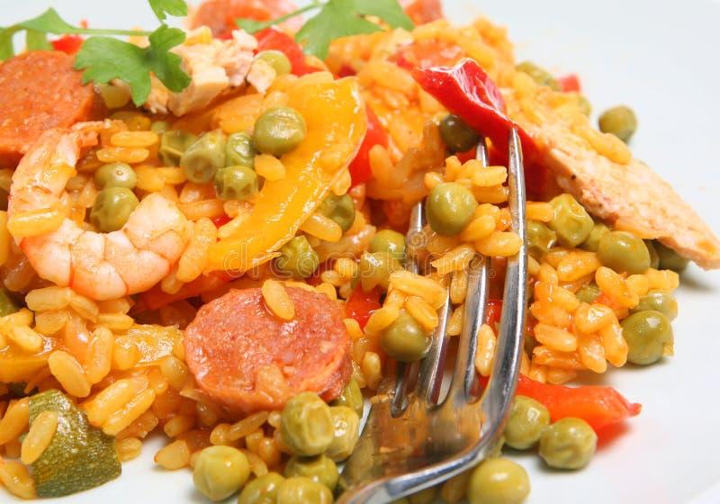 Paella met Garnalen en Chorizo stock foto's